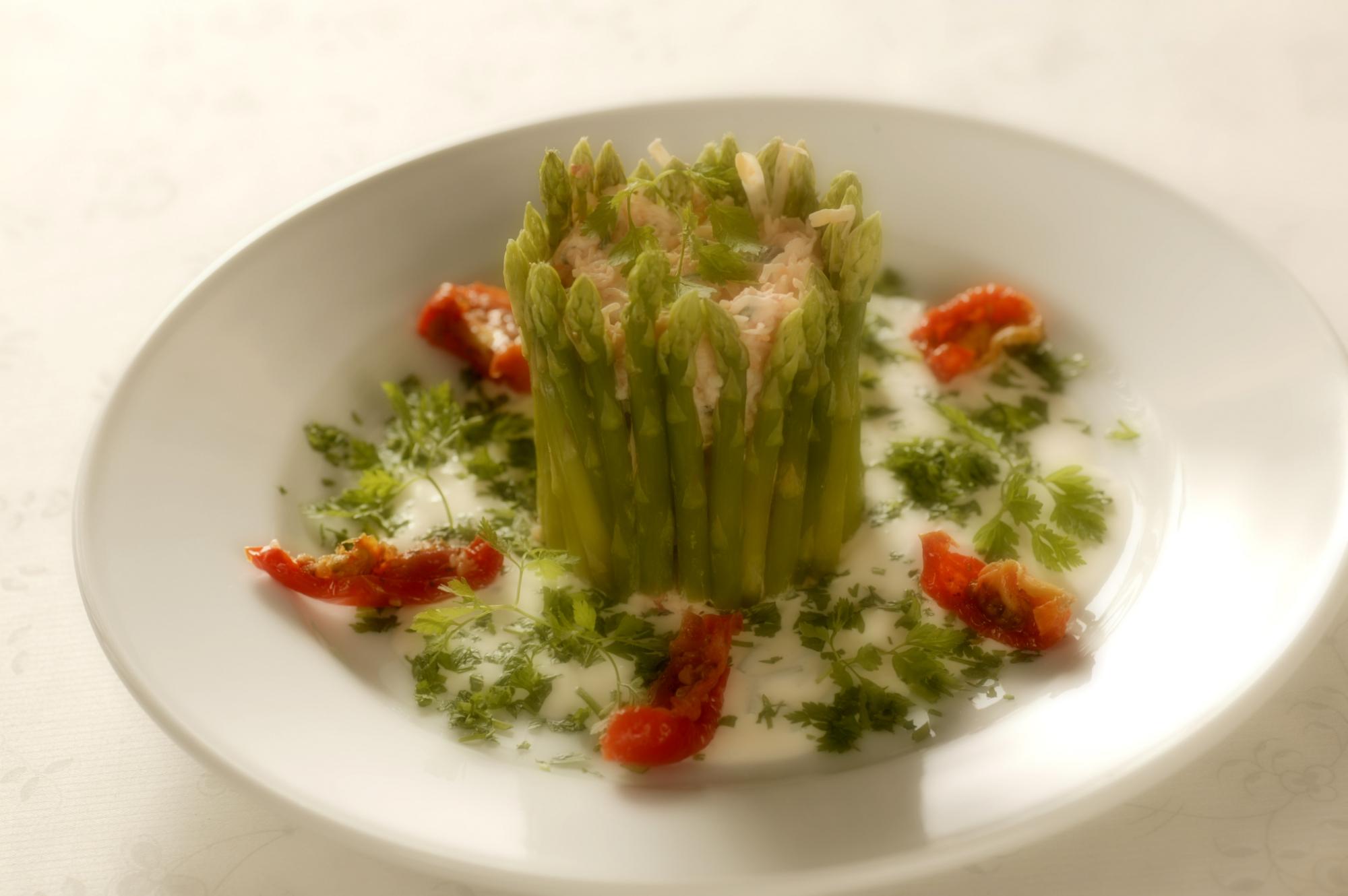 Krabbemousse med asparges