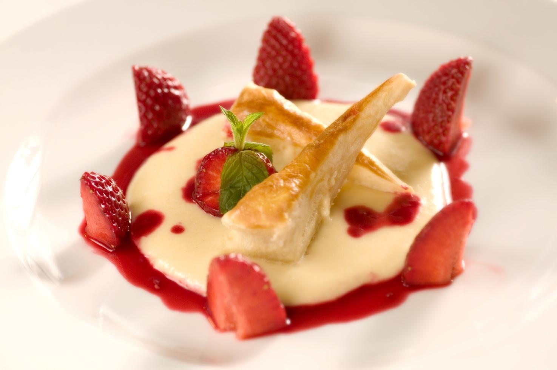 Crema pasticcera med jordbær coulis