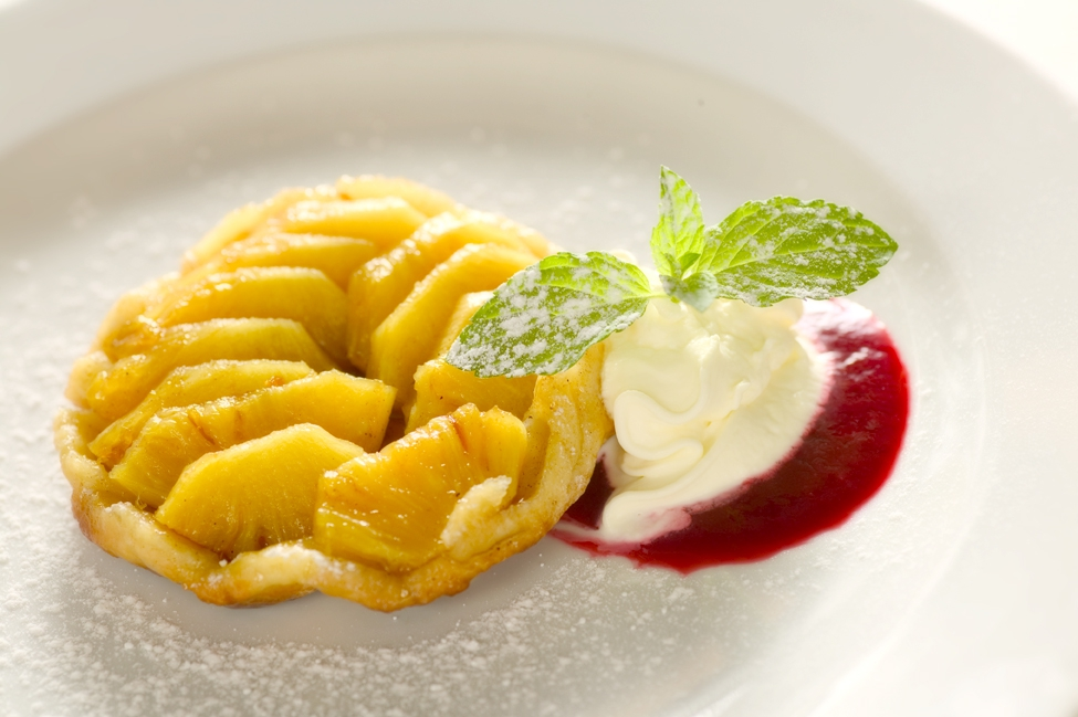 Ananas tærtetatin med fem krydderier