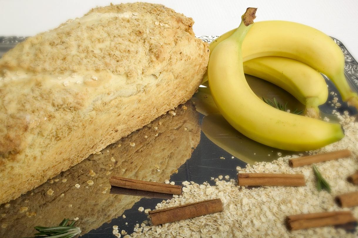 Banan- og havregrynsbrød