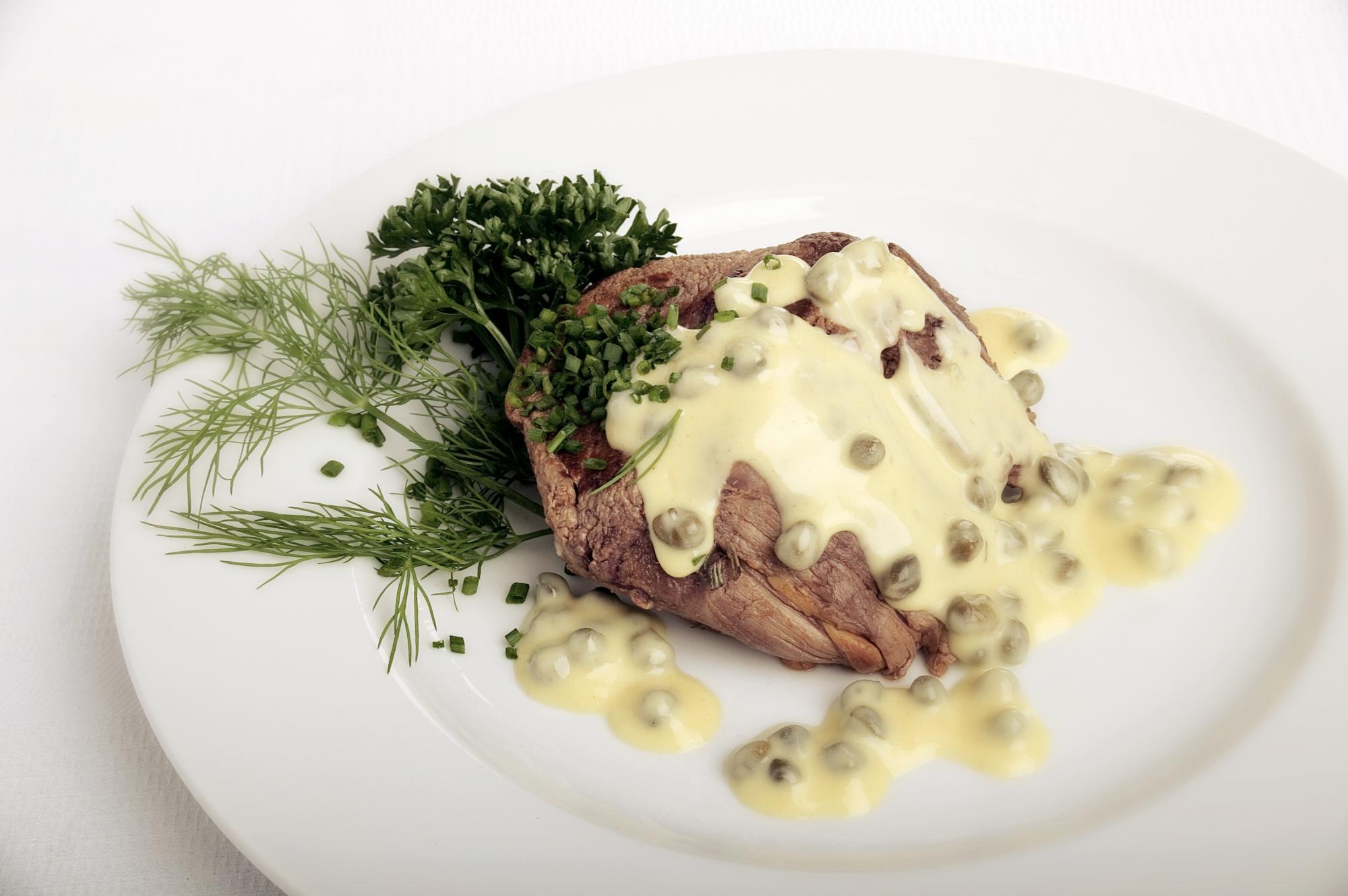 Filet Mignon med peberkorn- og sennepssauce