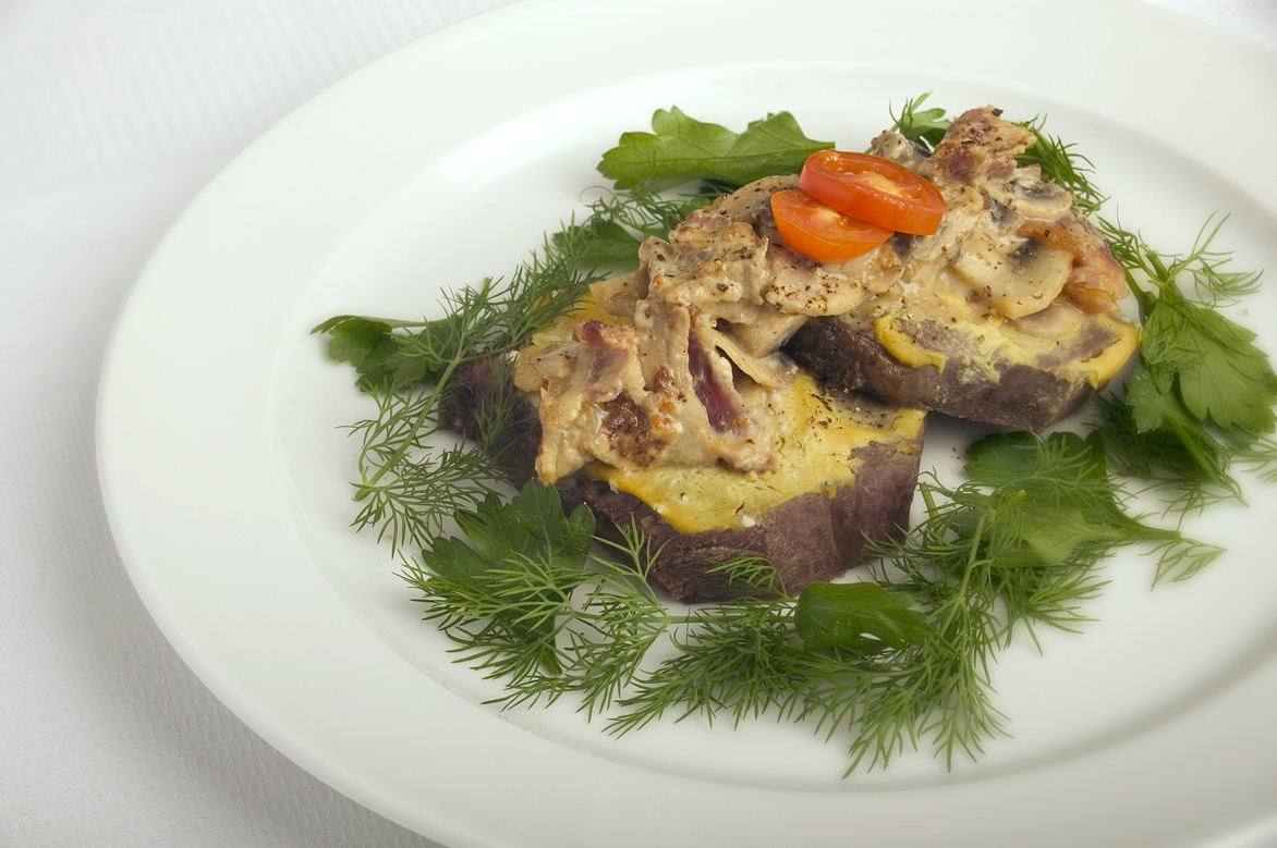 Mørbradsbøffer med champignonsauce