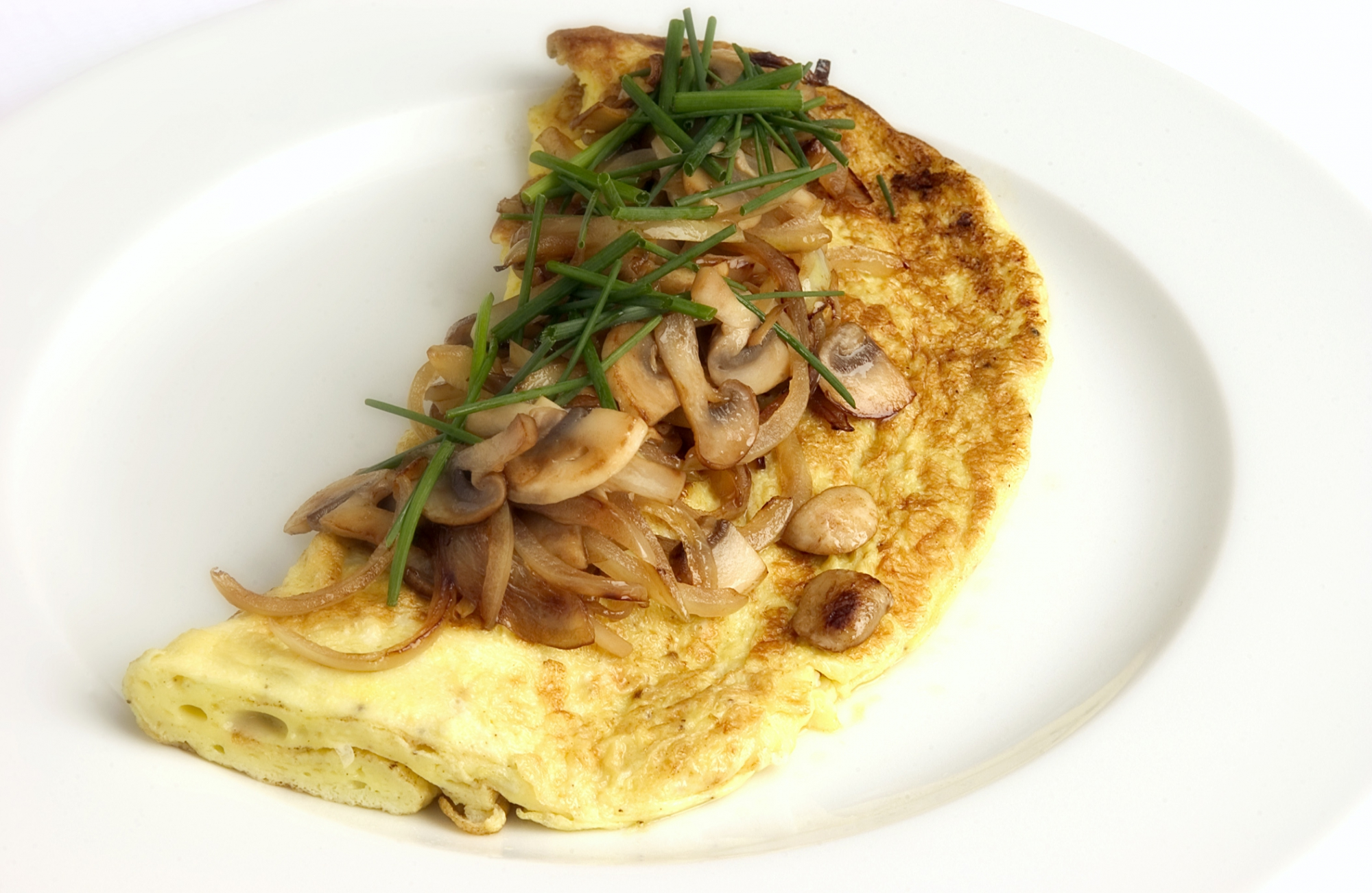 Omelet  med svampe og løg