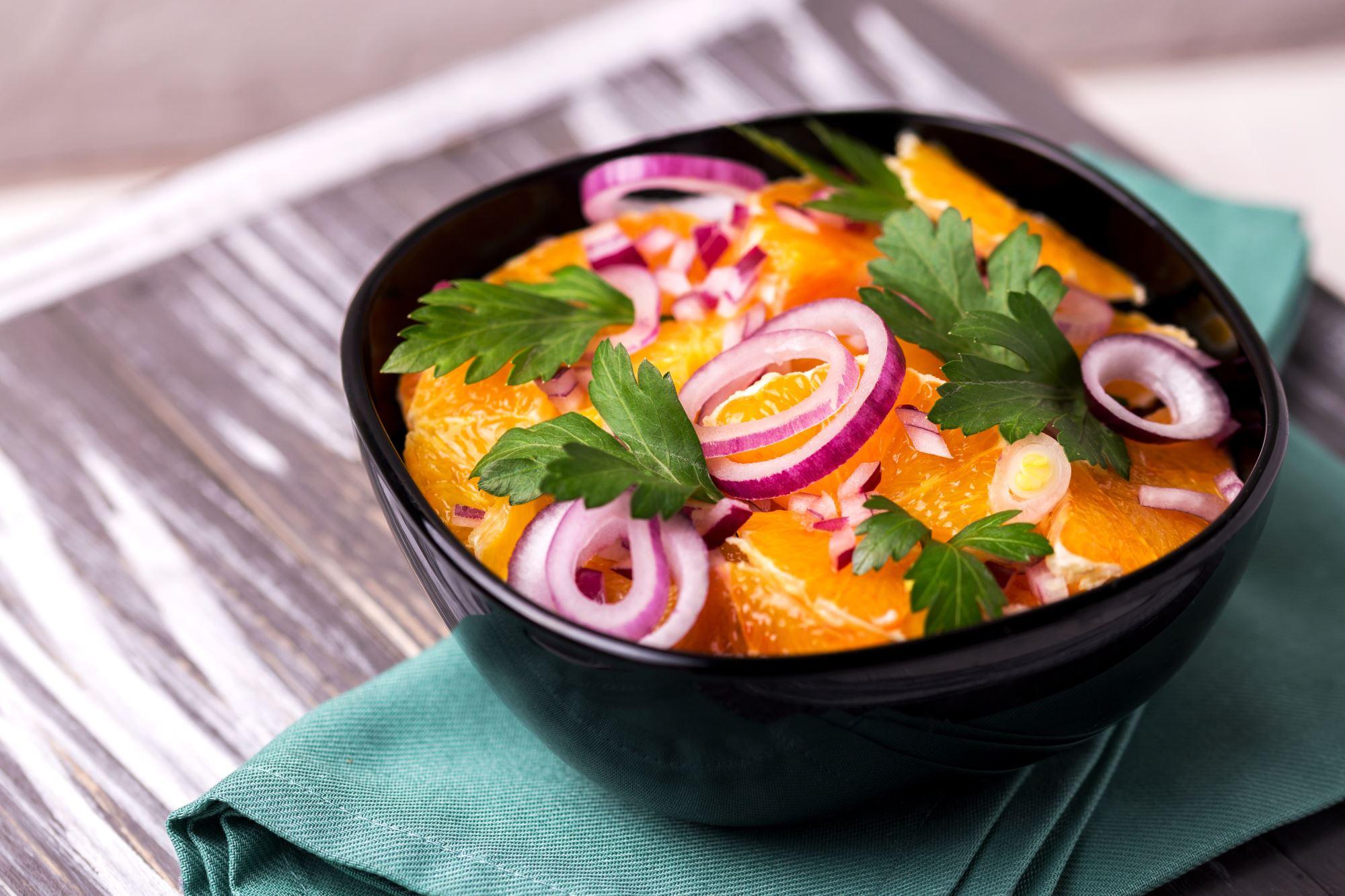 Appelsin- og løgsalat