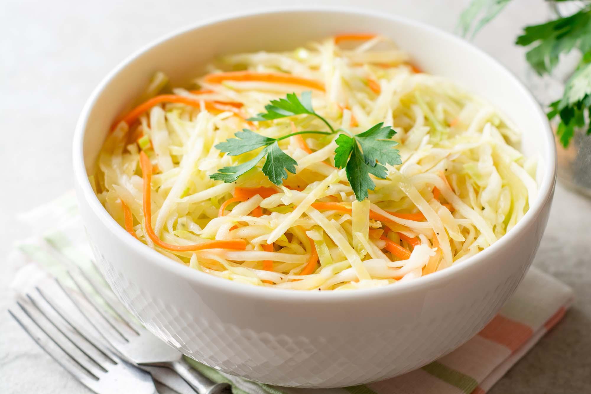 Salat - varm - Spidskål med gulerødder
