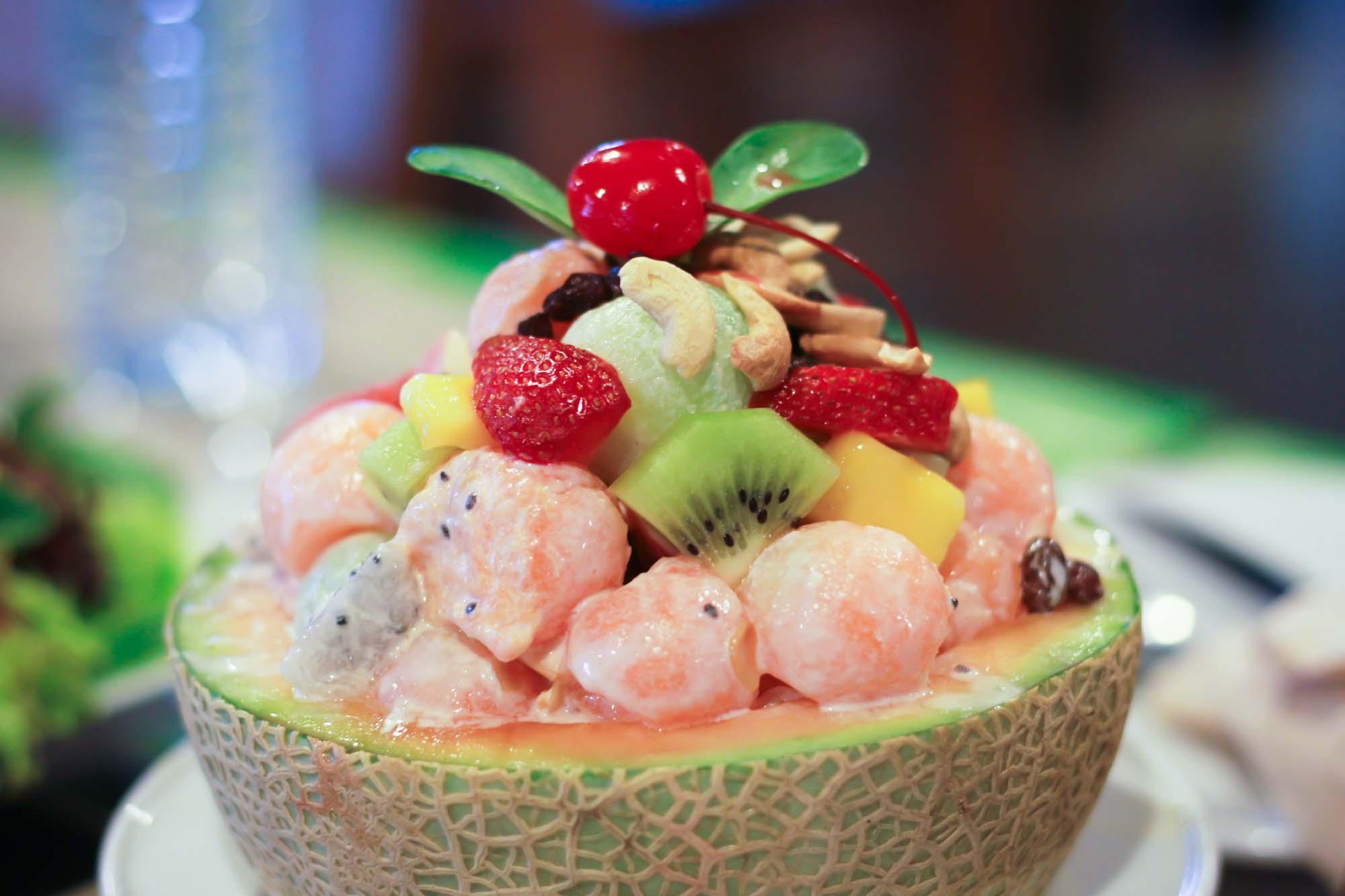 Melonskåle med frugt