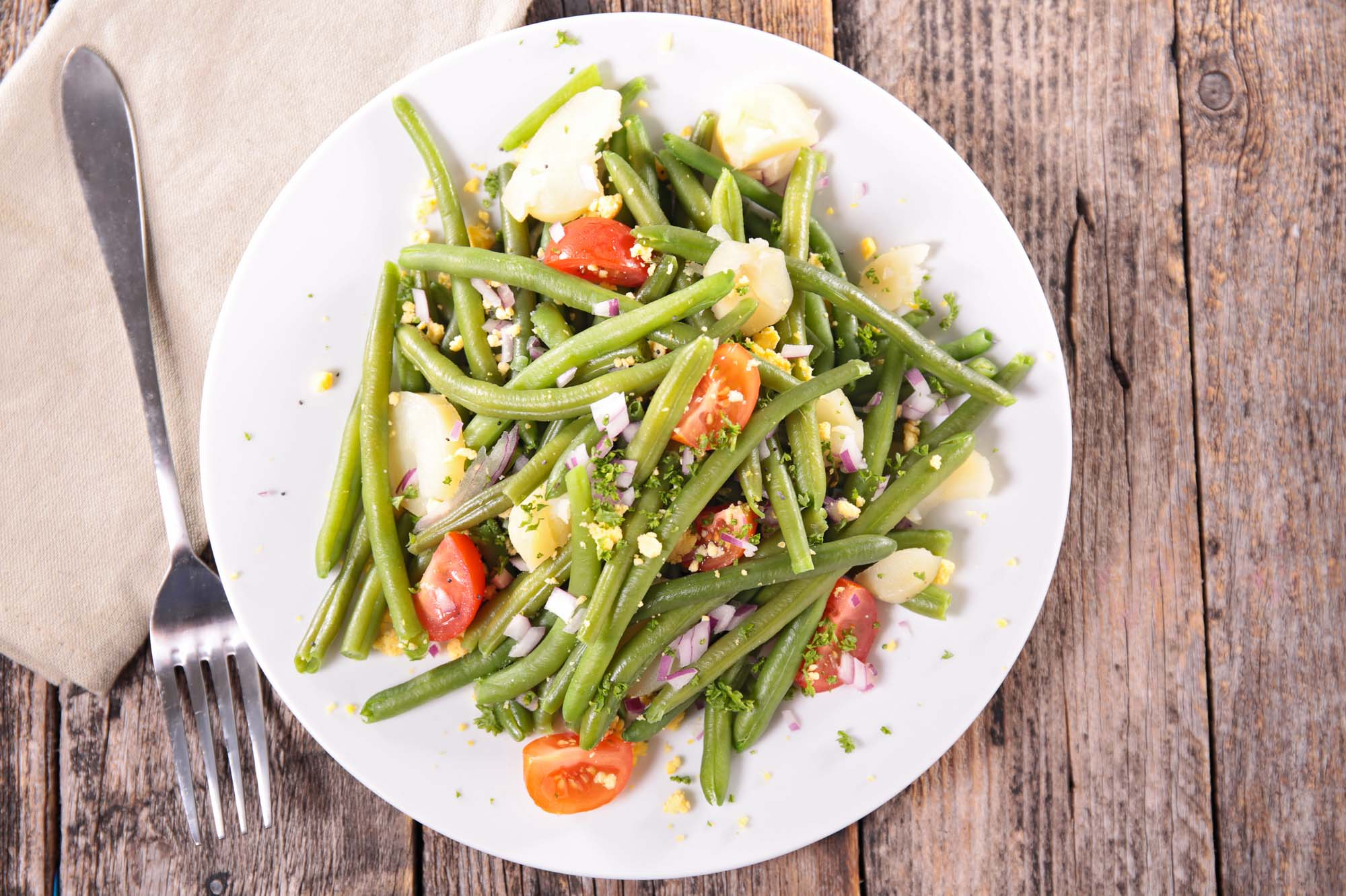 Bønnesalat med tomater