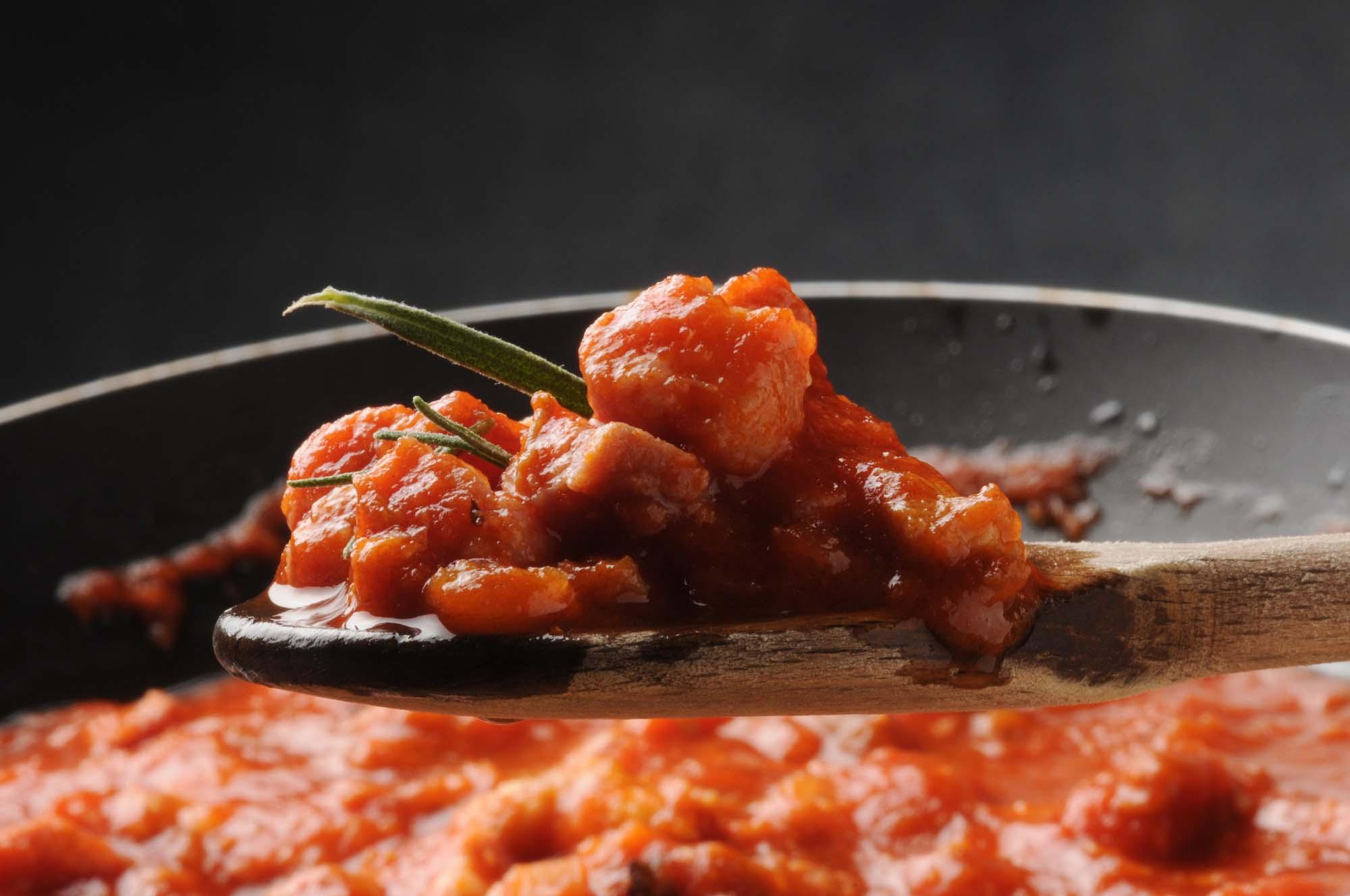 Pasta med rosmarin, tomat og pancetta