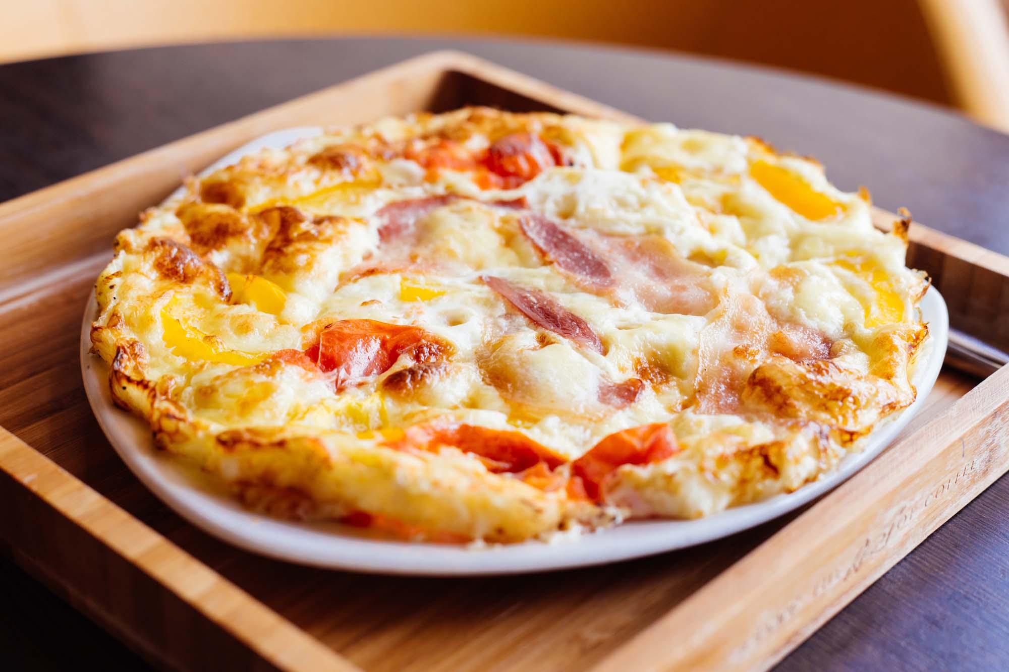 Omelet med krydret pølse