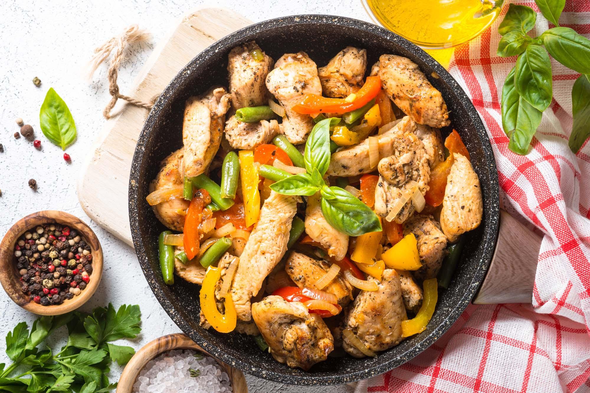 Asiatisk salat m. kylling