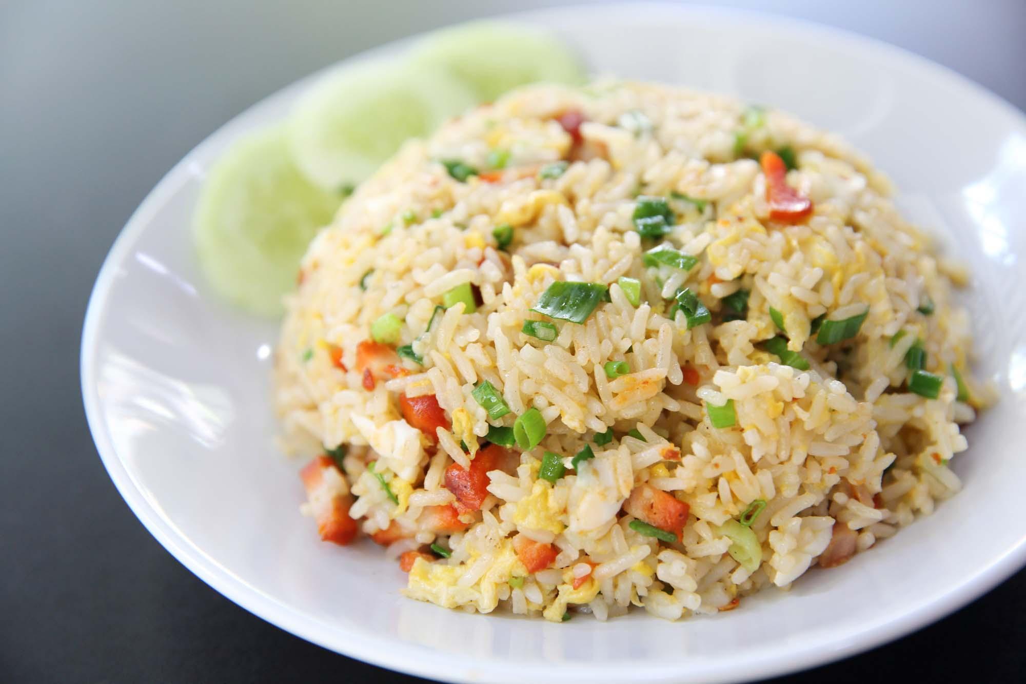Khao Pad stegte ris
