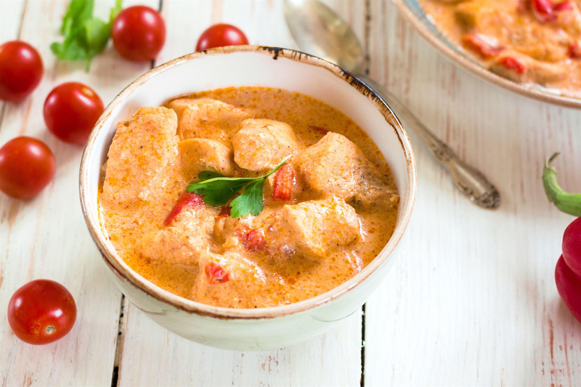 Kylling i fløde og tomat