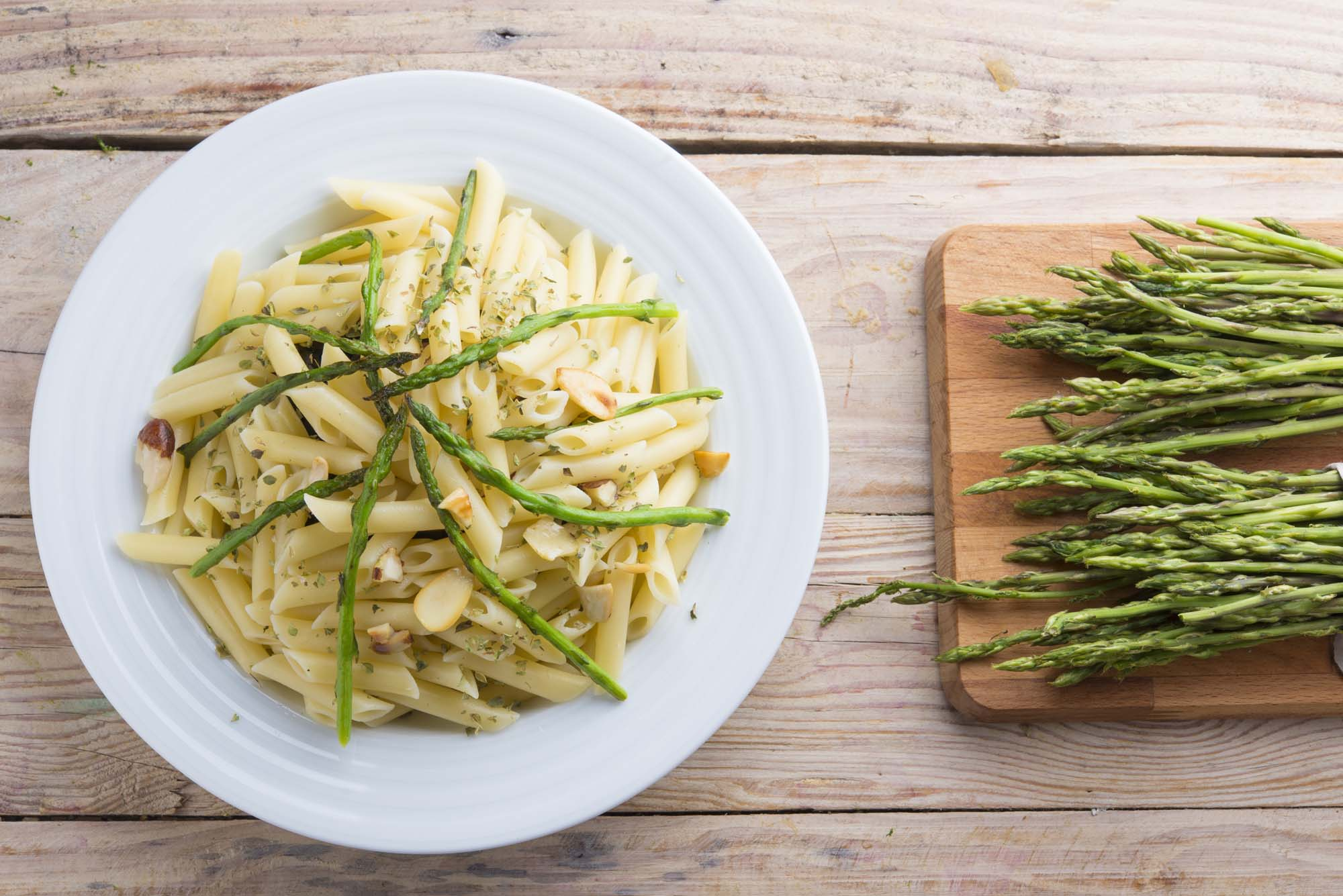 Pasta med asparges og citron