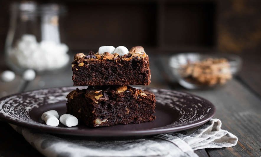 Chokoladekage med skumfiduser