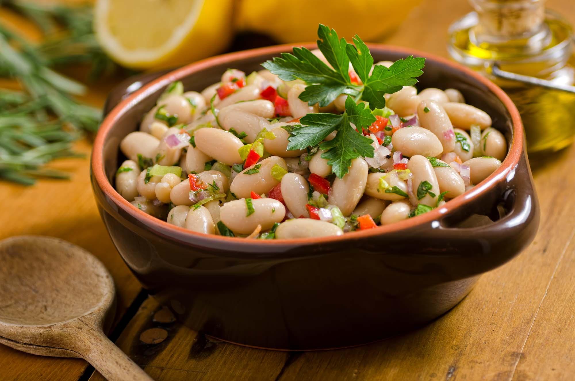 Salat af hvide bønner
