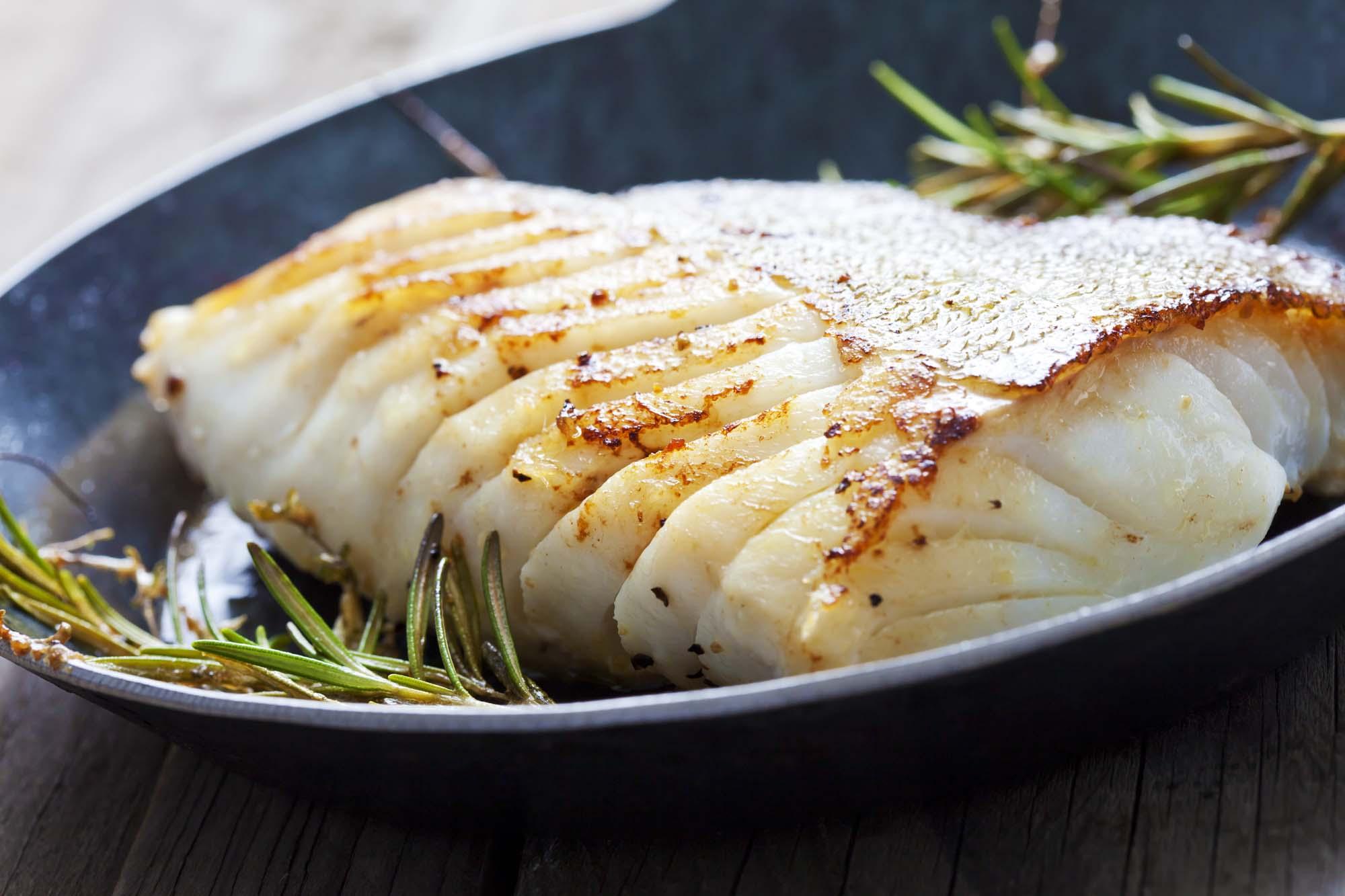 Pandestegt torsk med rødbeder og syltet citron