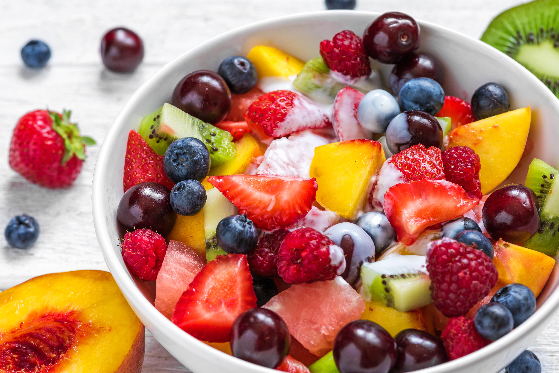 Frugtsalat med råcreme