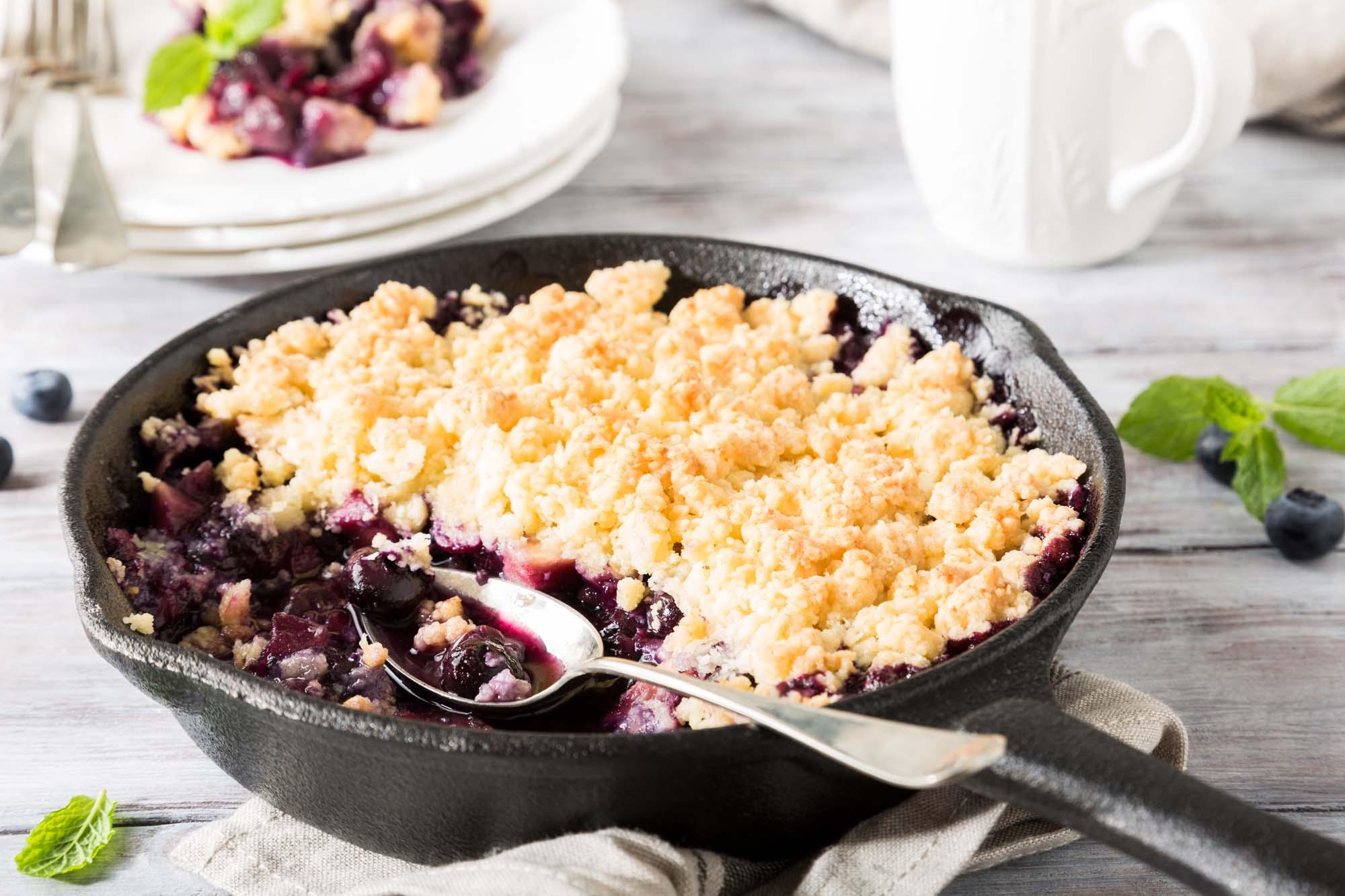 Blueberry Crisp - Smuldrekage med blåbær