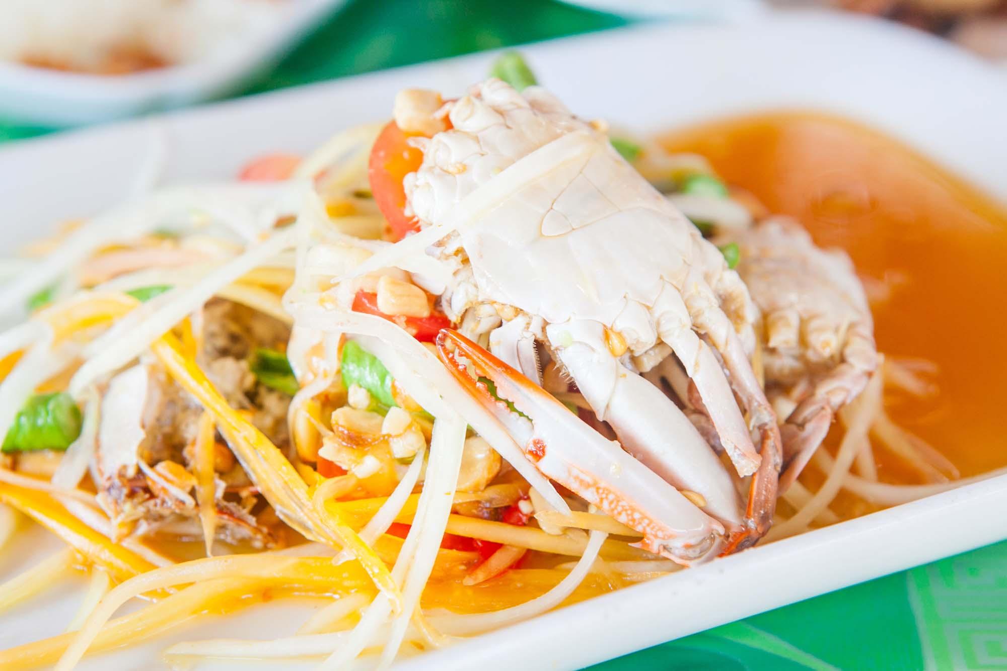 Thai krabbesalat i papaya
