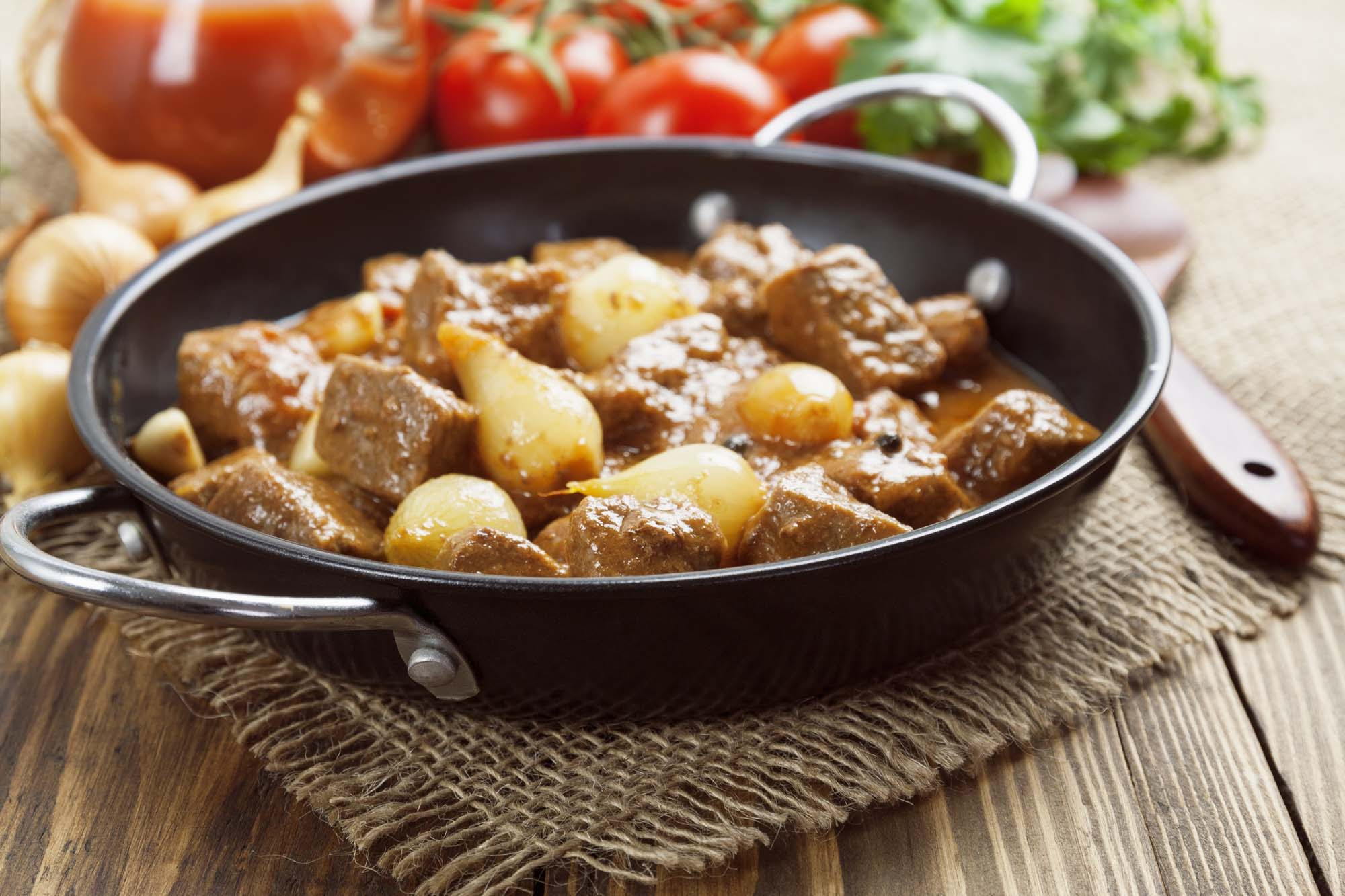 Stifado med lammekød
