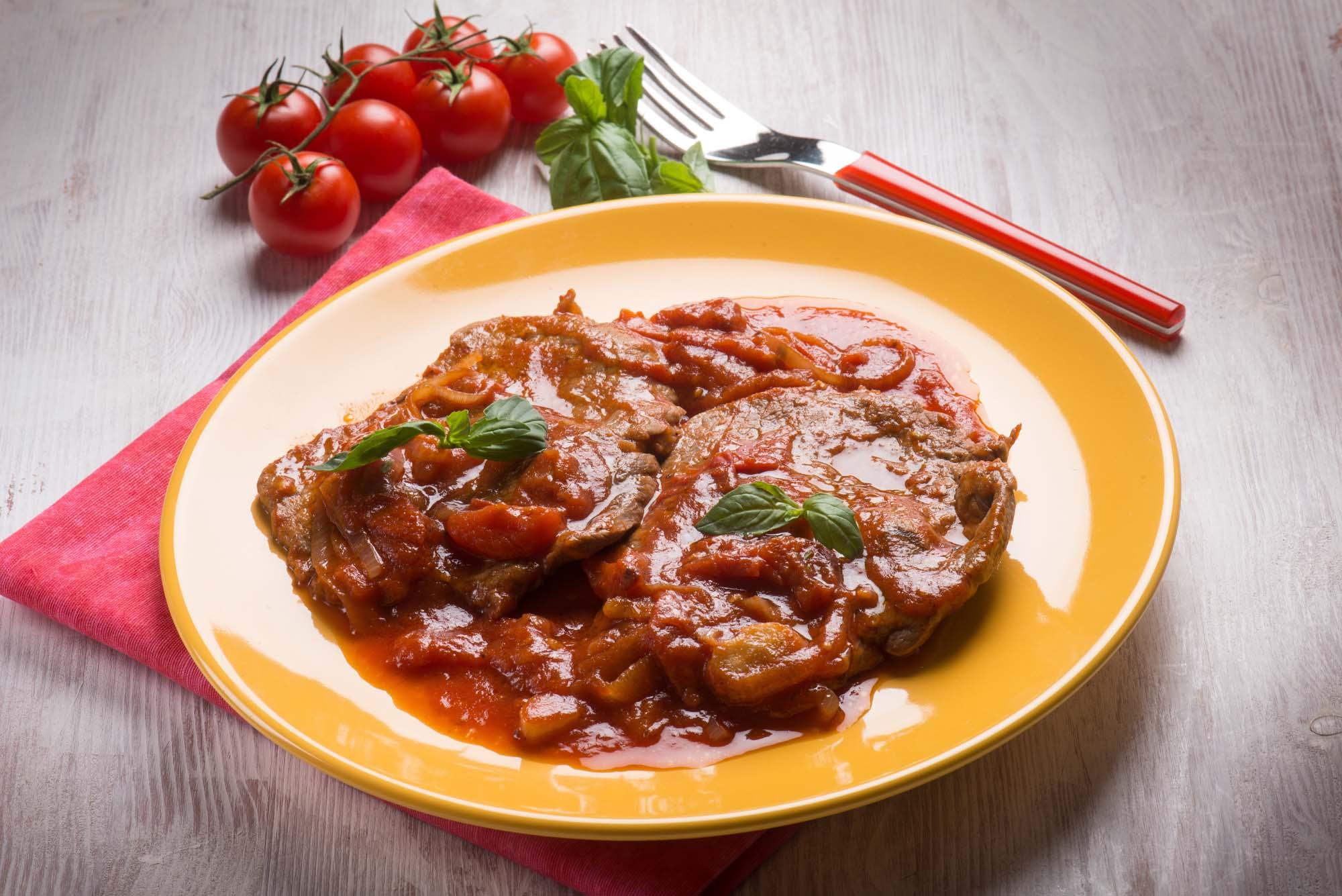 Kalvekotelet med tomatsauce og ris
