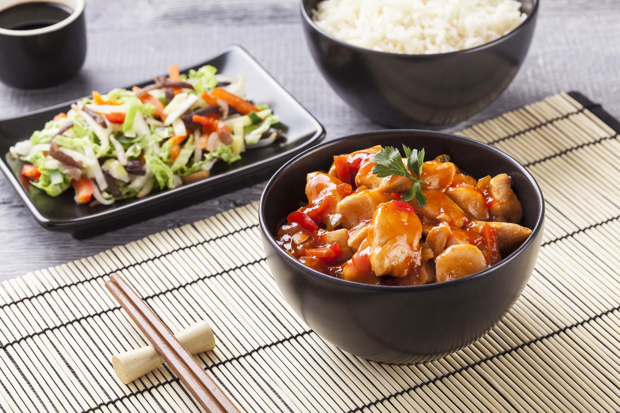 Kalkun og grønsager i sur- og sød sauce
