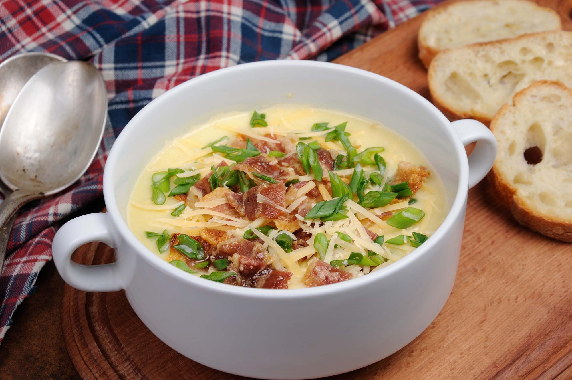 Ostesuppe med bacon