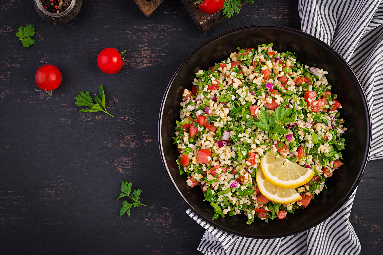 Bulgursalat med agurk og tomat
