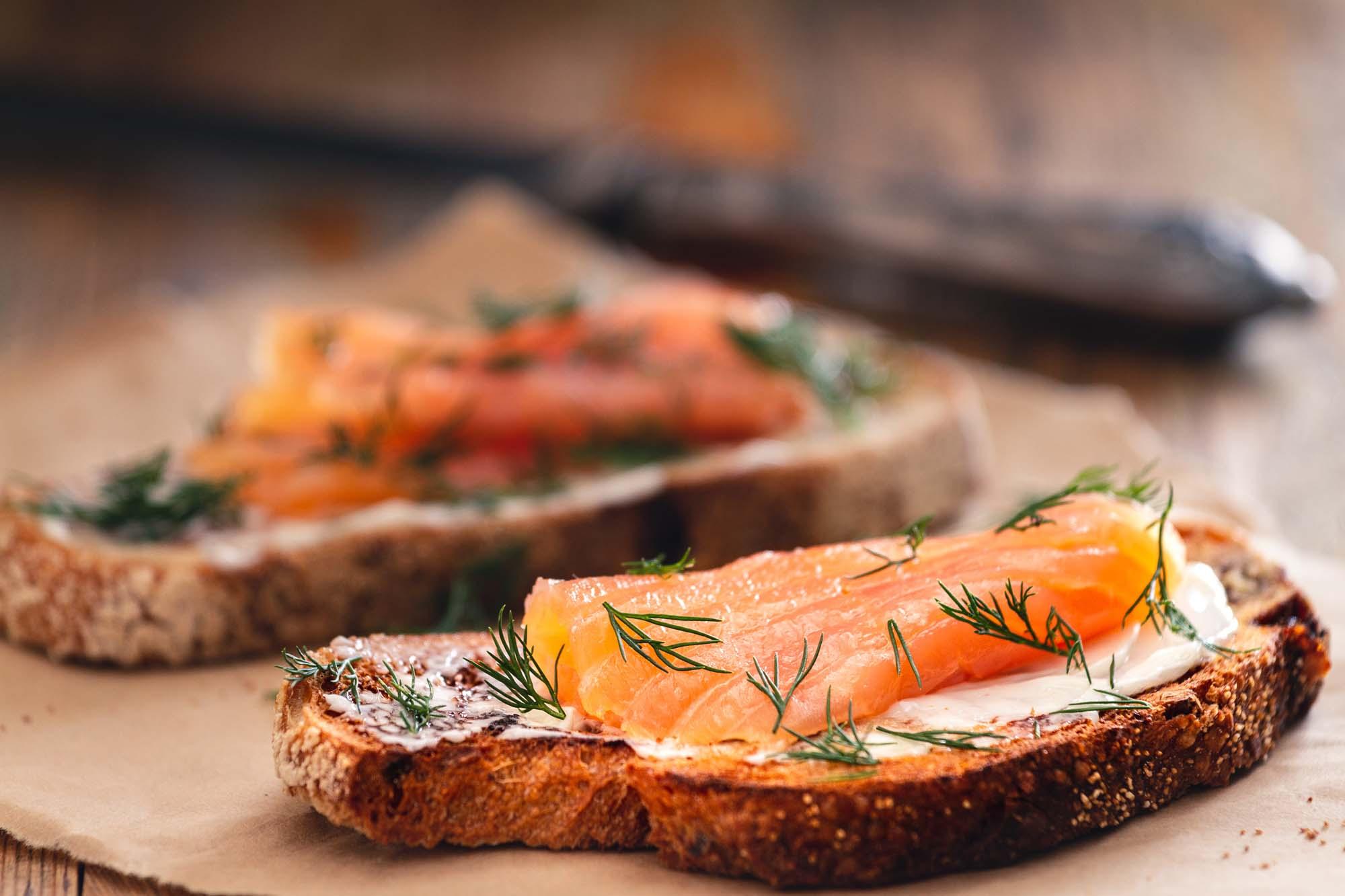 Gravad laks på brød