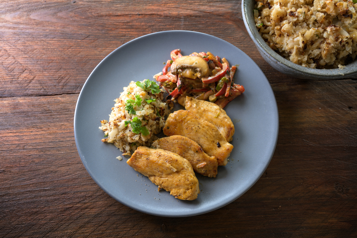 Gryderet med kyllingebryst og grøntsager