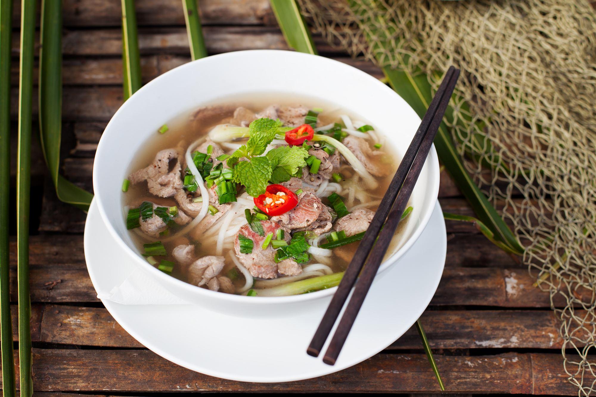 Vietnamesisk flanksteak med nudelsalat