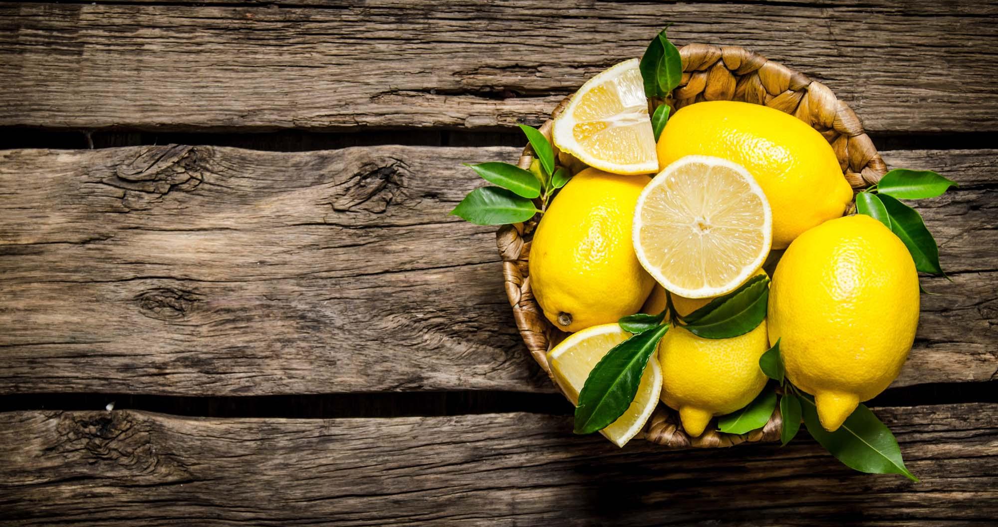 Kurv af citron med persille