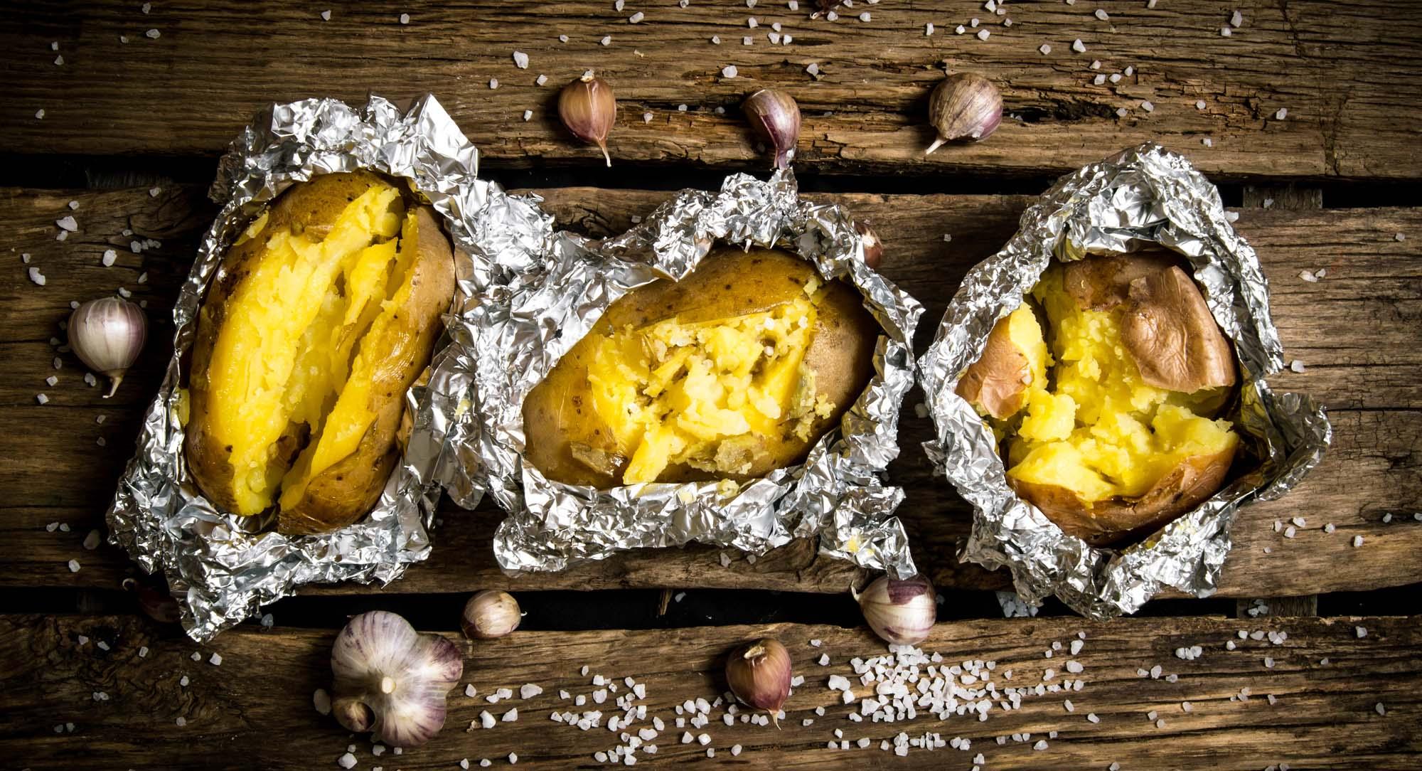 Bagekartofler med urter og citron