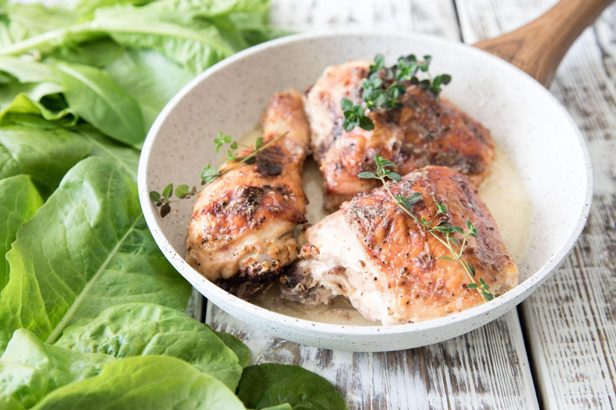 Braiseret kylling med selleri og hvidløg