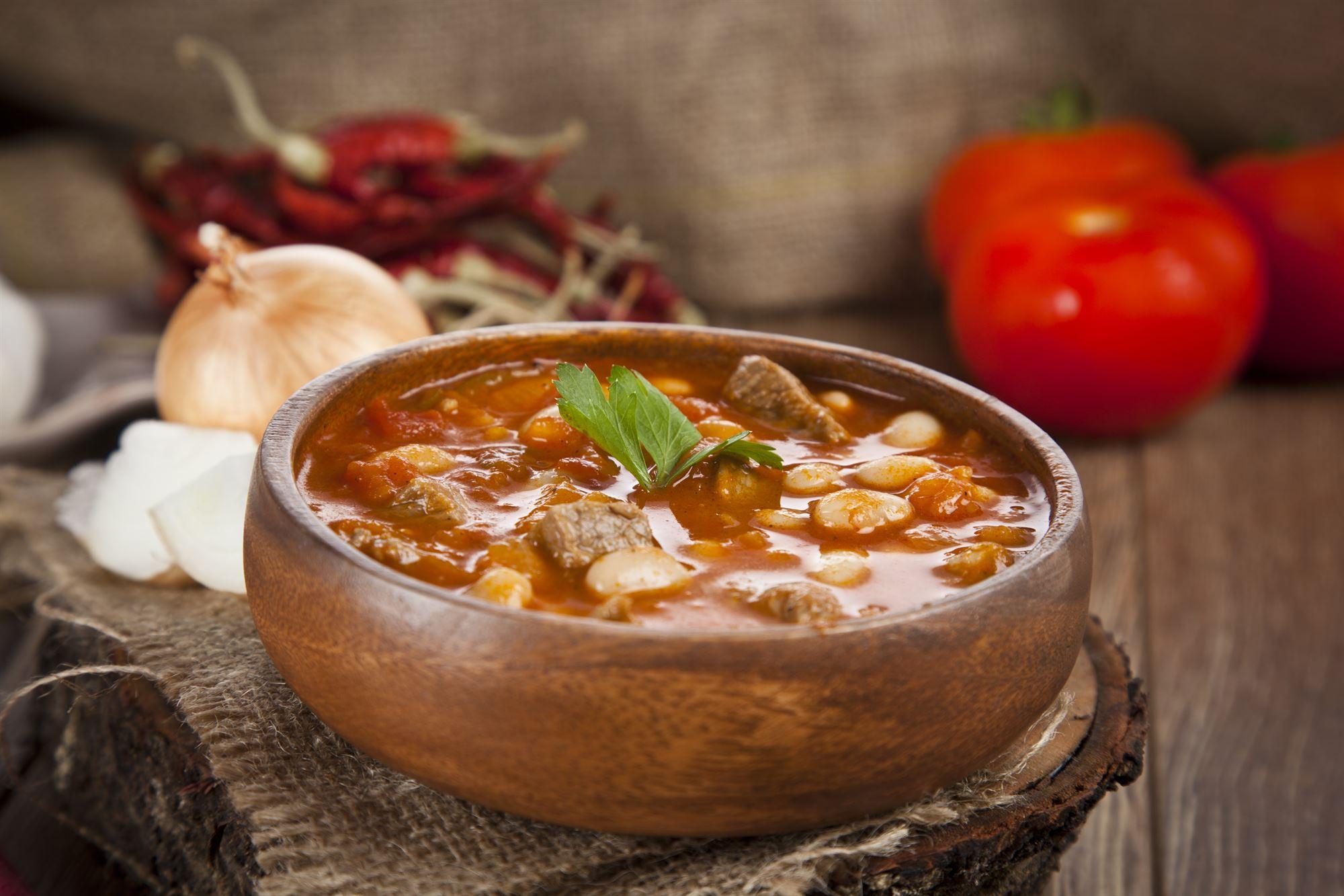 Suppe med hvide bønner og lam