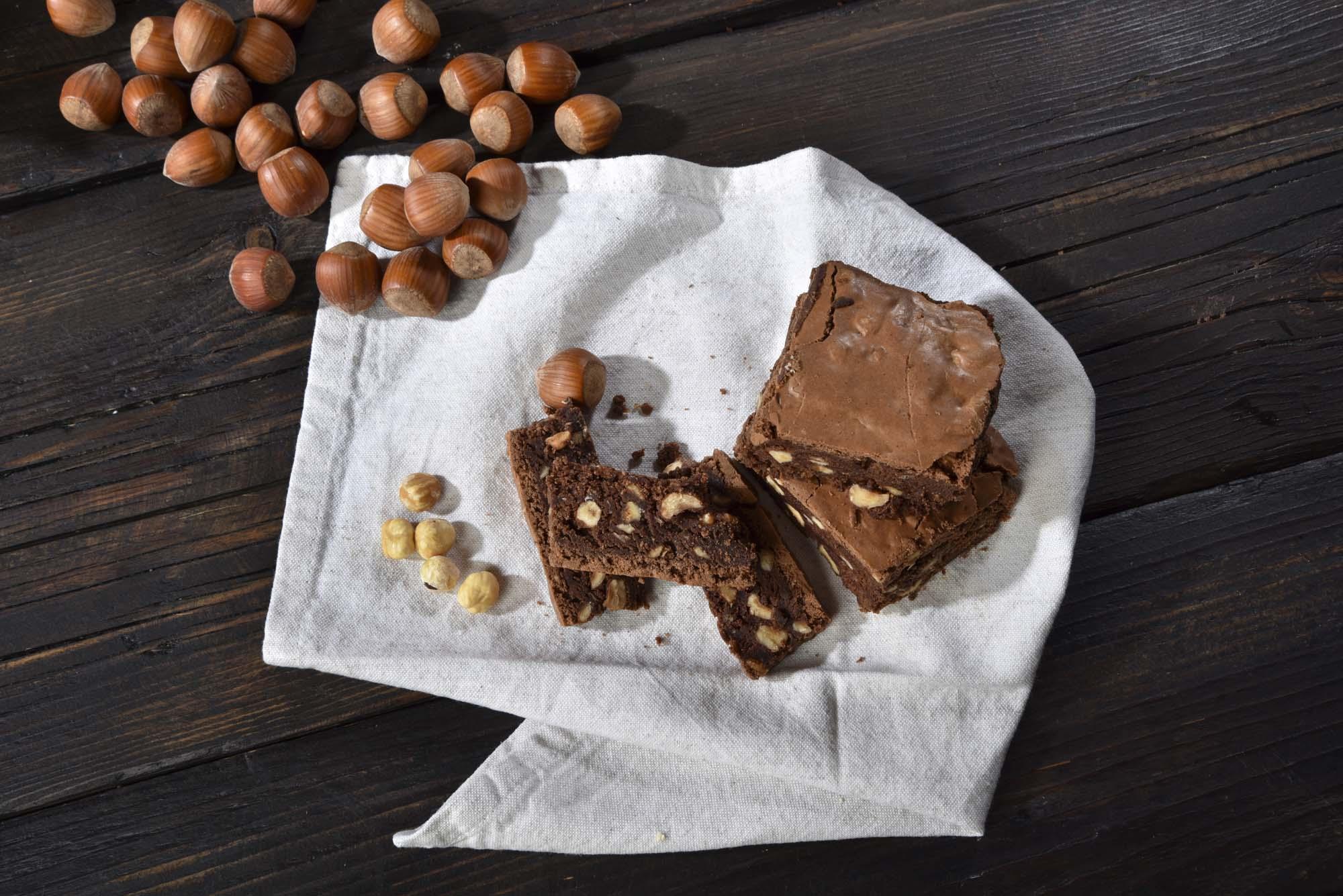 Fransk chokoladekage med nødder