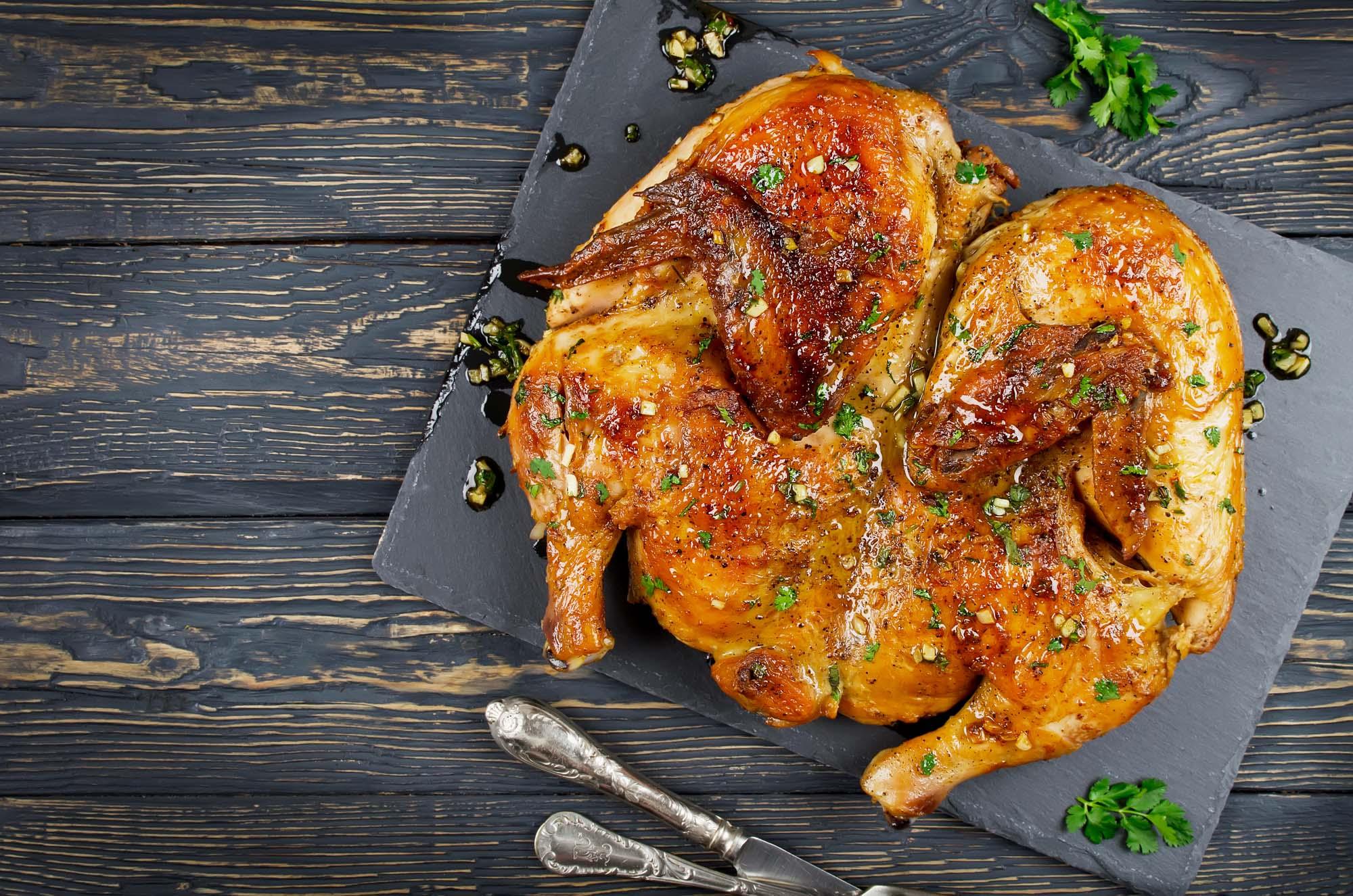 Grillet kylling marineret i hvidløg chili og citronsaft