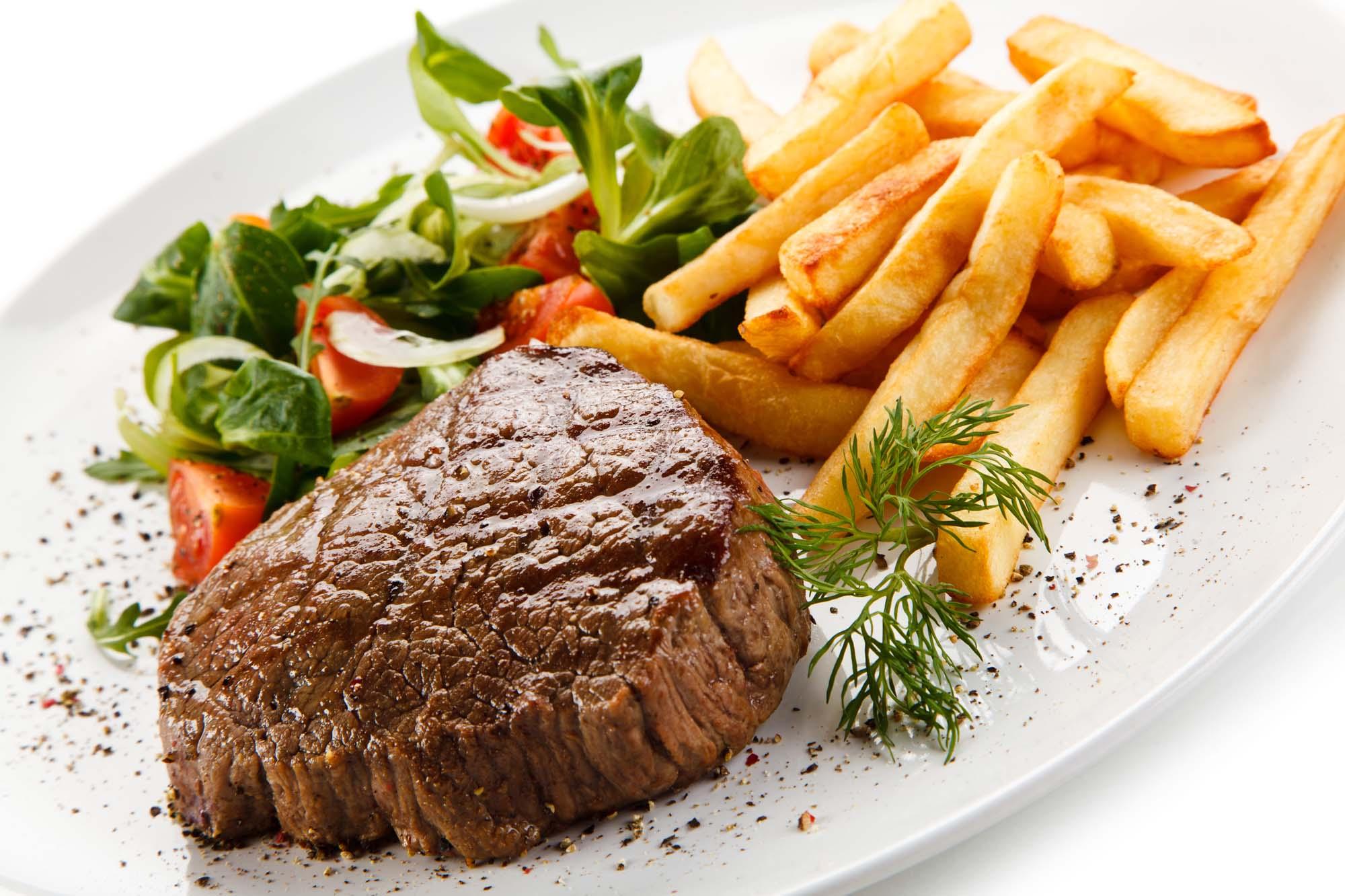 Steak med hjemmelavede pommes frites