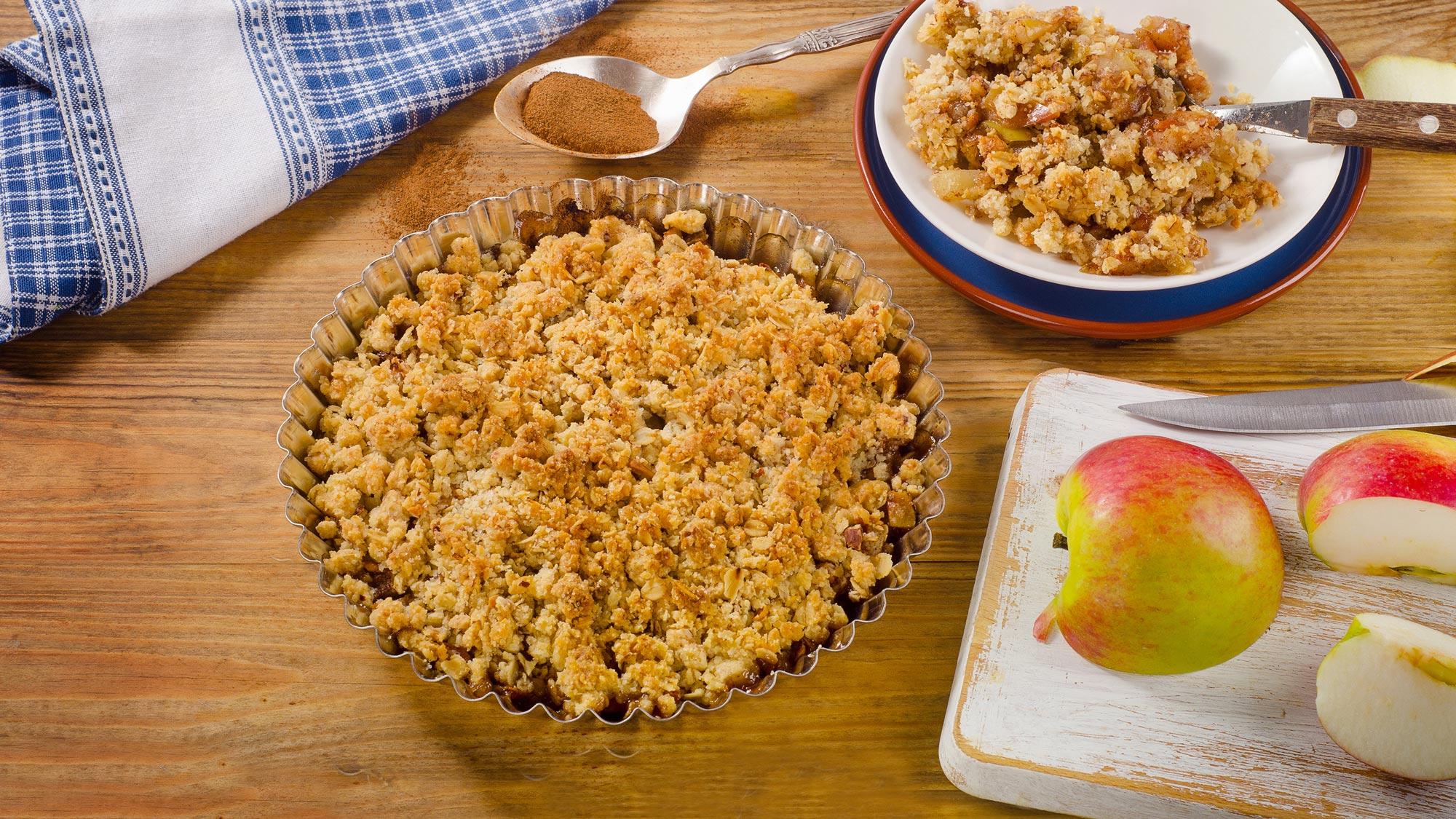 Æblekage med havregryn