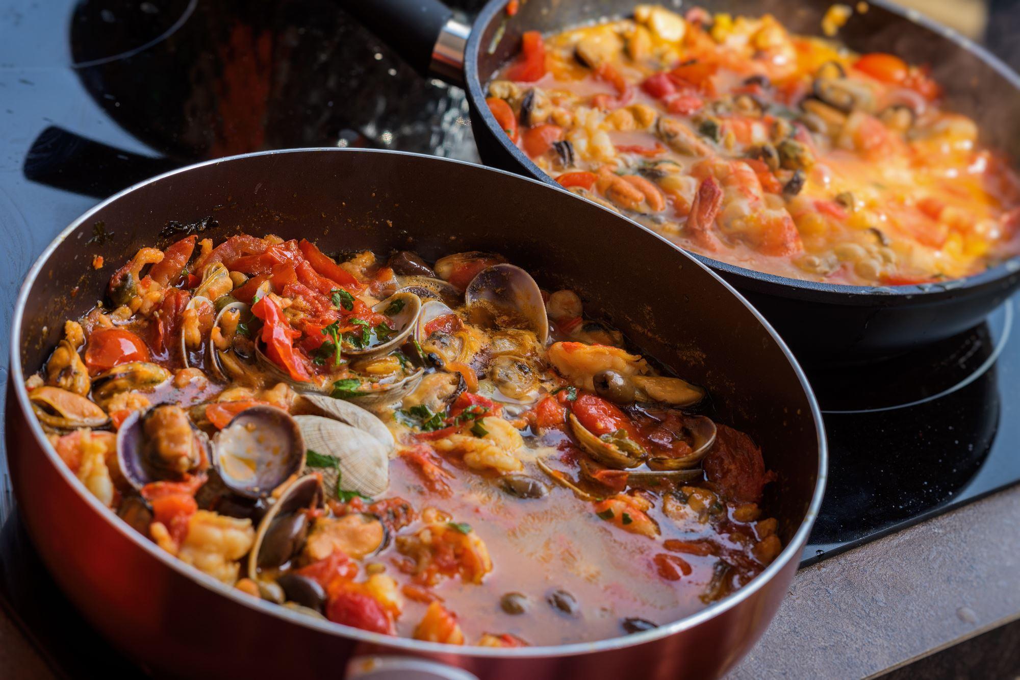 Dampede muslinger med bacon - tomat - spinat