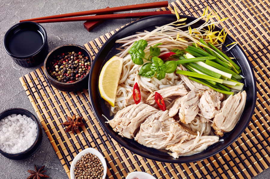 Pho ga - vietnamesisk kyllingesuppe