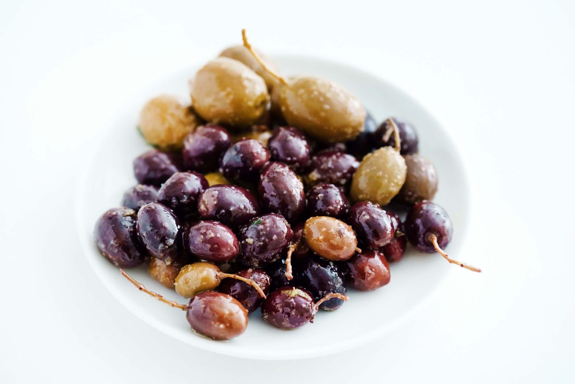 Oliven med urter