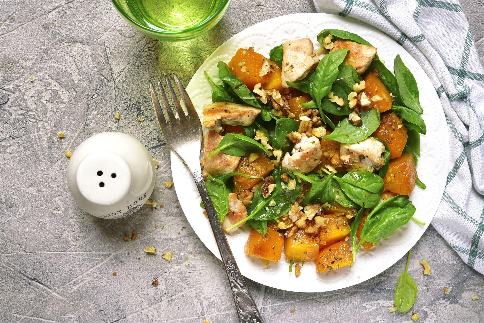 Salat med kylling og græskar