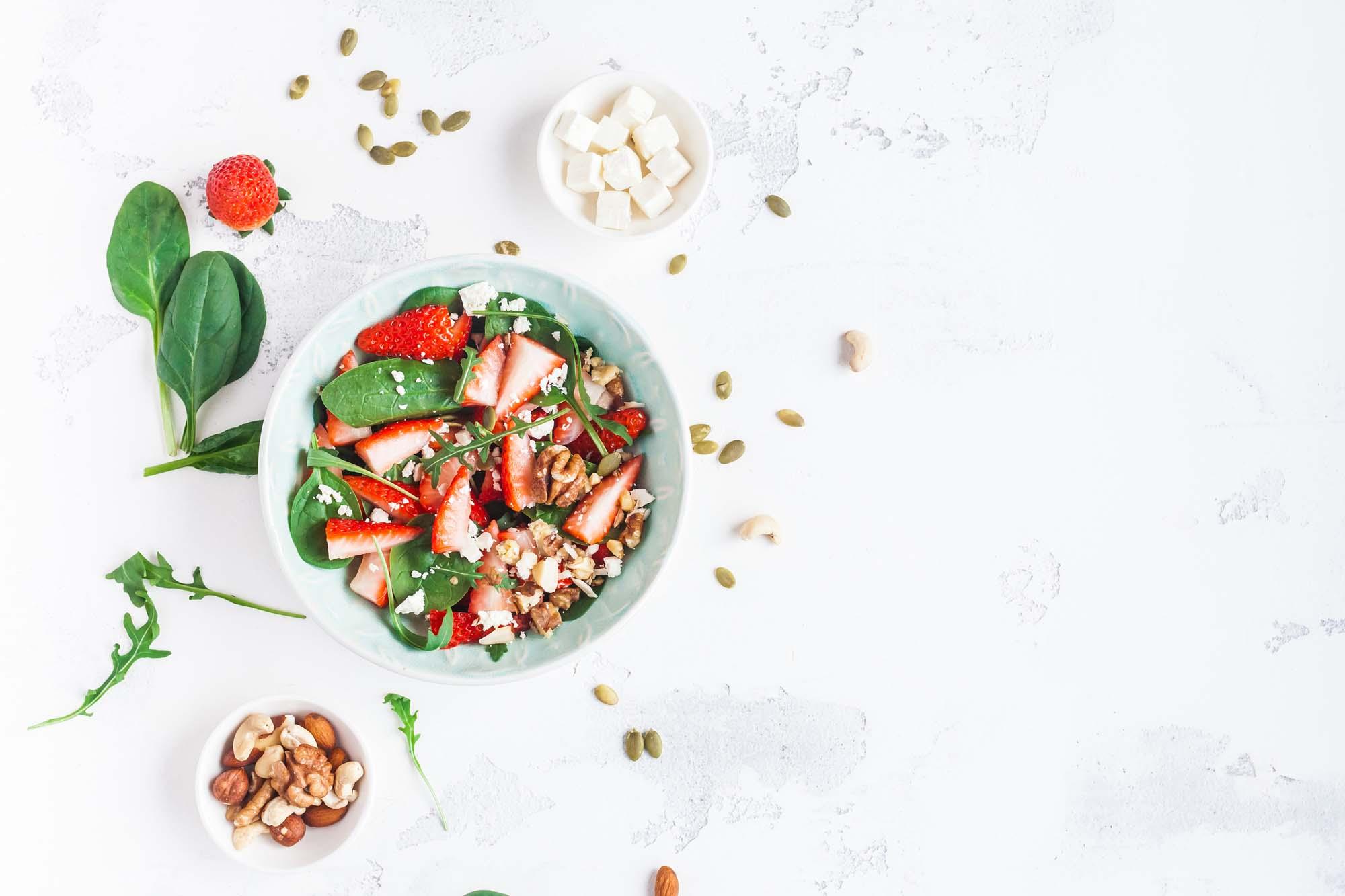 Salat - Jordbær med chili og fetaost