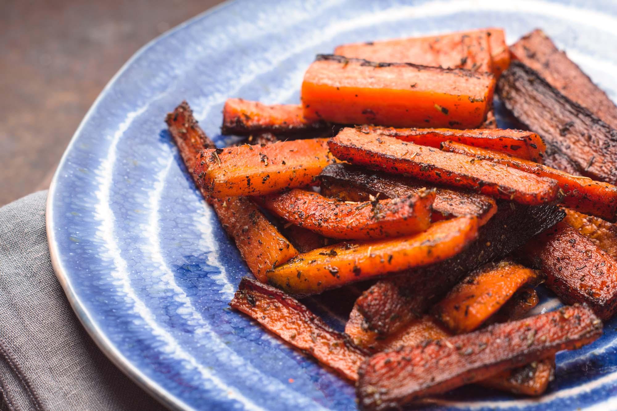 Ovnbagte gulerødder med feta