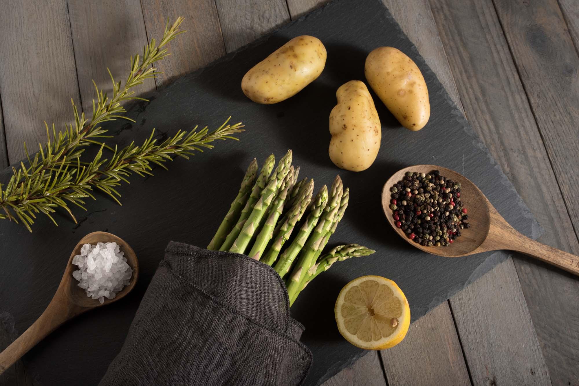 Asparges- og kartoffelsalat