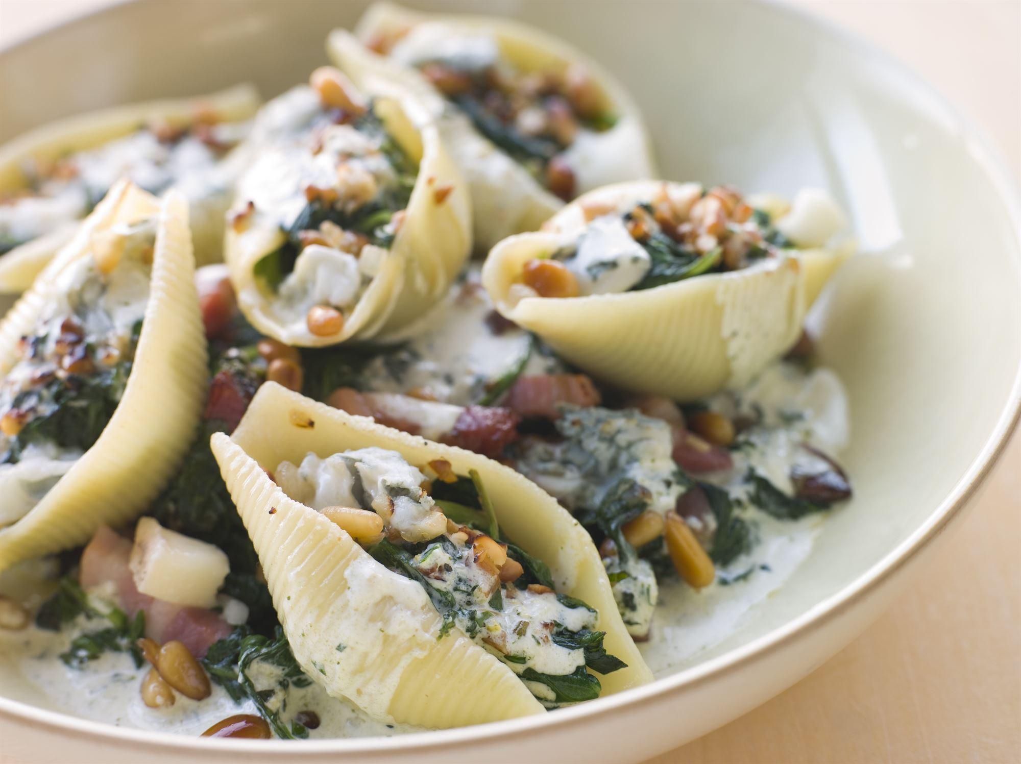 Pasta med pancetta, spinat og ricotta