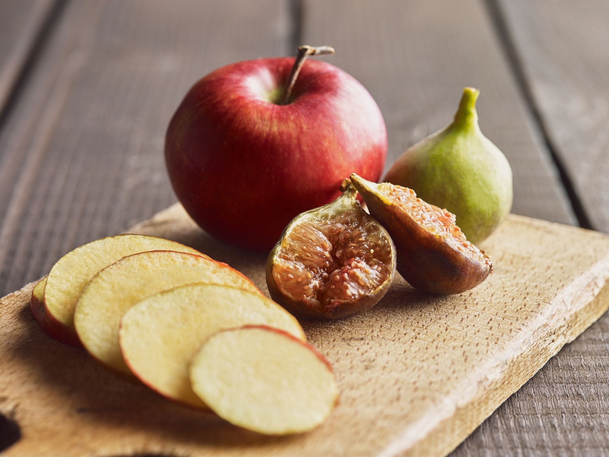Salat med friske figner og æble