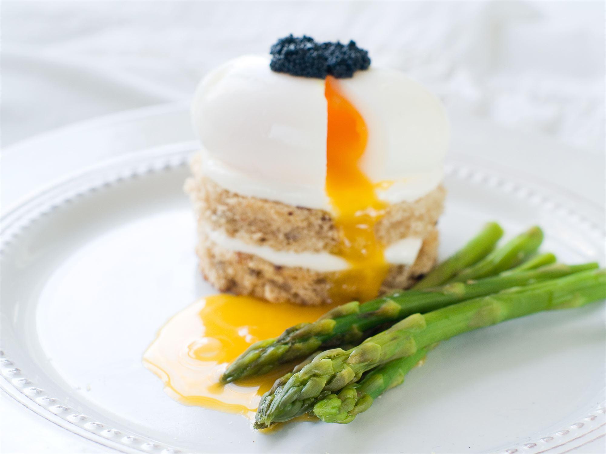 Pocherede æg med kaviar