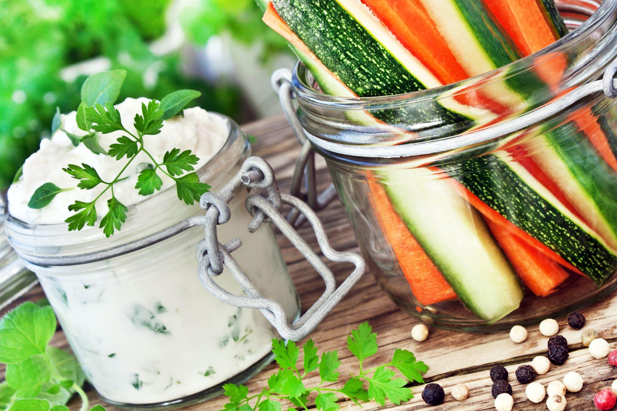 Oreganodip med grøntsager